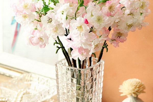 Декоративный эффект хрустальной вазы